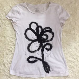 Merona whit me tee with floral design